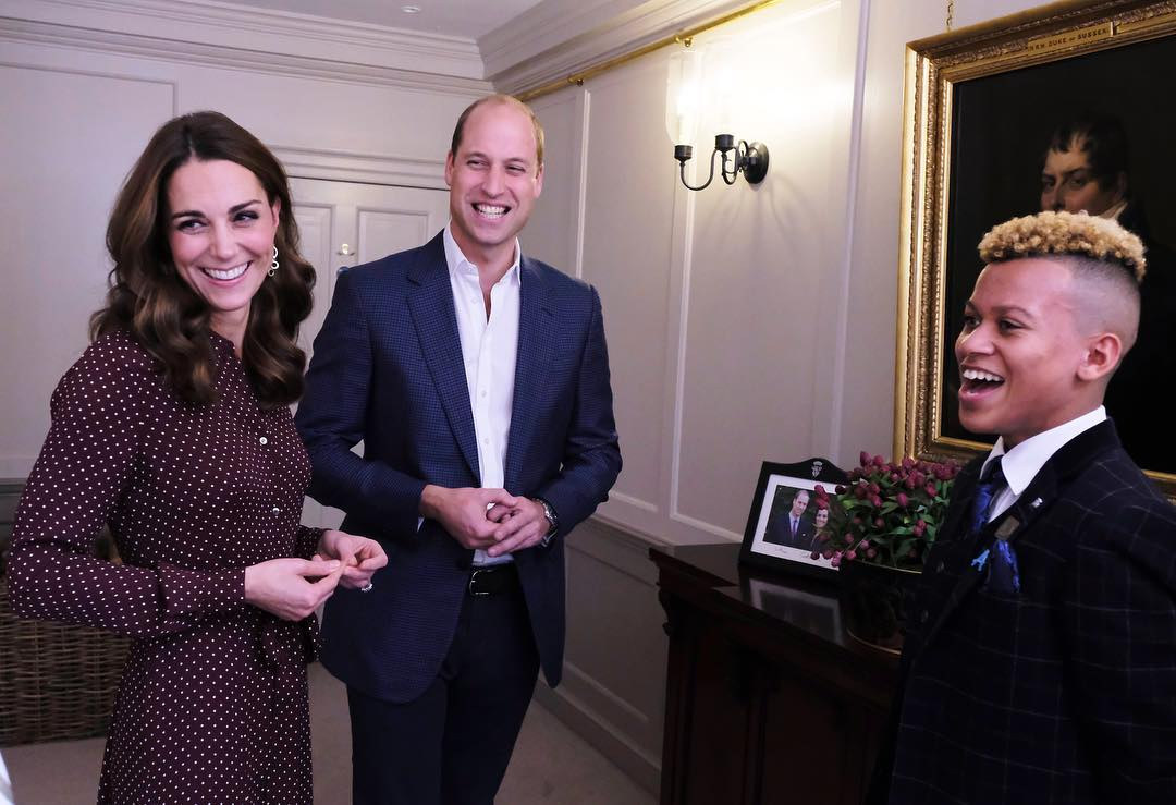 Que queriam entender por que o príncipe William não usa a joia e Kate usa (Foto: Instagram/@kensingtonroyal)