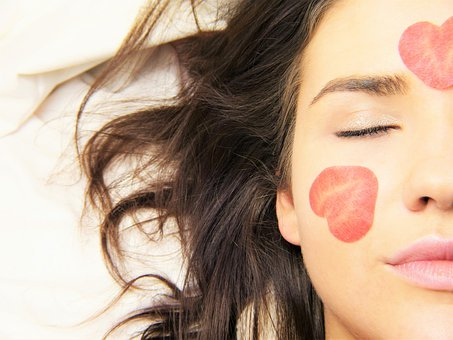 In-house beauty of the world famous teach you how to let your skin hydrated in about 1 minute (Image: Pixabay)