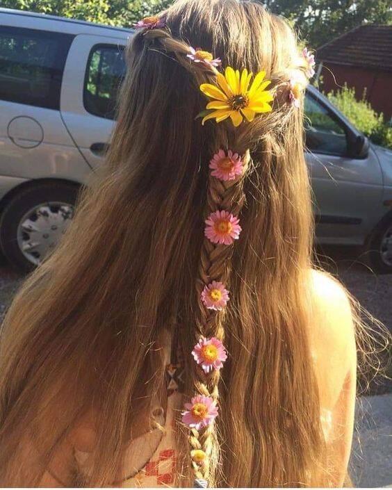 As tranças podem ser no cabelo todo ou só em uma parte (Foto: Pinterest)