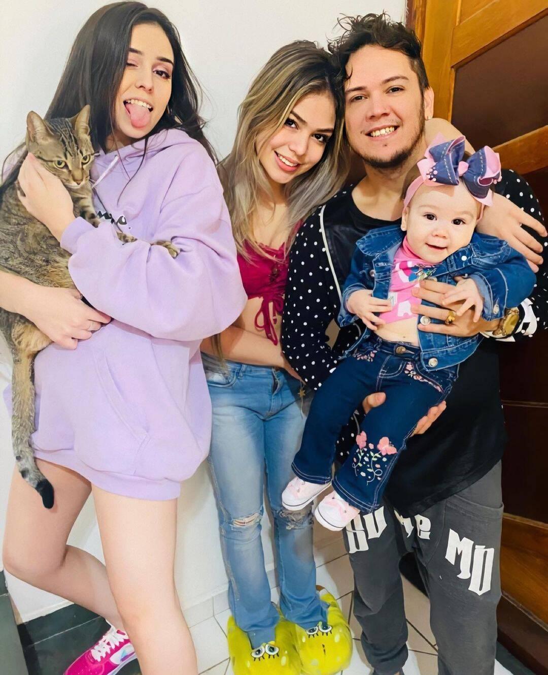 MC Belinho, pai da artista, não gostou do comentário e rebateu a cantora. (Foto: Instagram/ @belinhooficial)