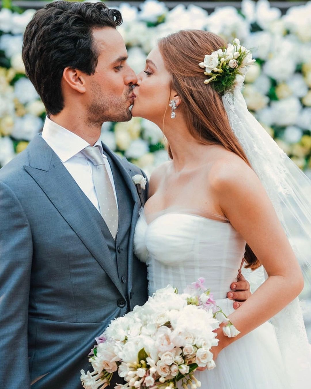 Os dois se casaram em outubro de 2017, em Campinas, no interior de São Paulo. (Foto: Instagram/ @marinaruybarbosa)
