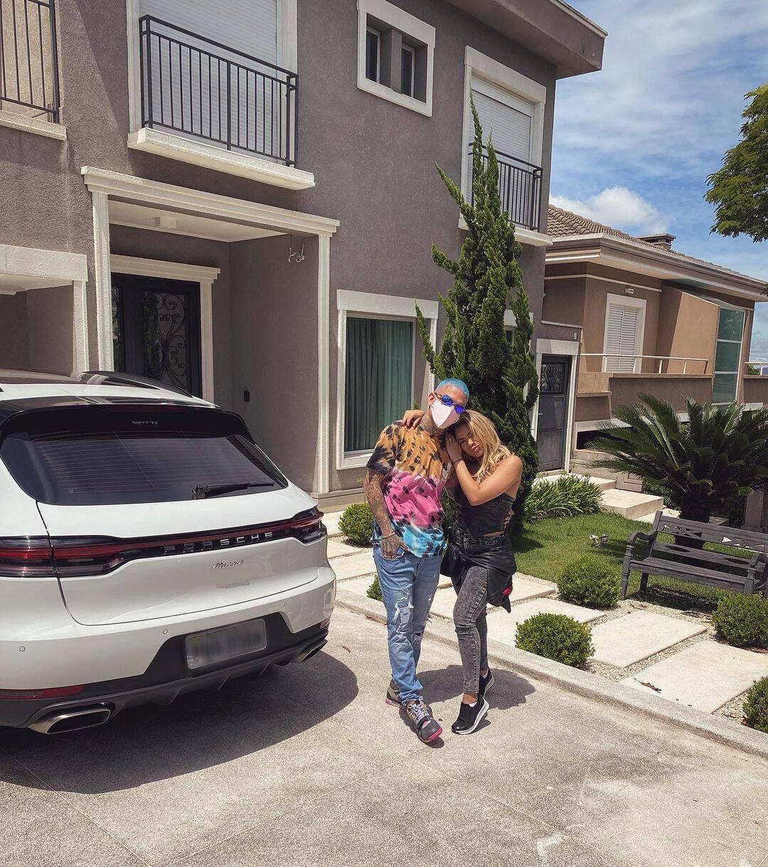 """""""Que casal mais lindo felicidades sempre"""", disse uma seguidora. (Foto: Instagram/ @lexa)"""