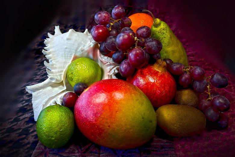 Além da vitamina A, a fruta é rica em vitamina C, responsável pela produção dos glóbulos brancos que combatem doenças, e de vitamina K, E e do complexo B, todos responsáveis por aumentar a imunidade. (Foto: Pixabay)