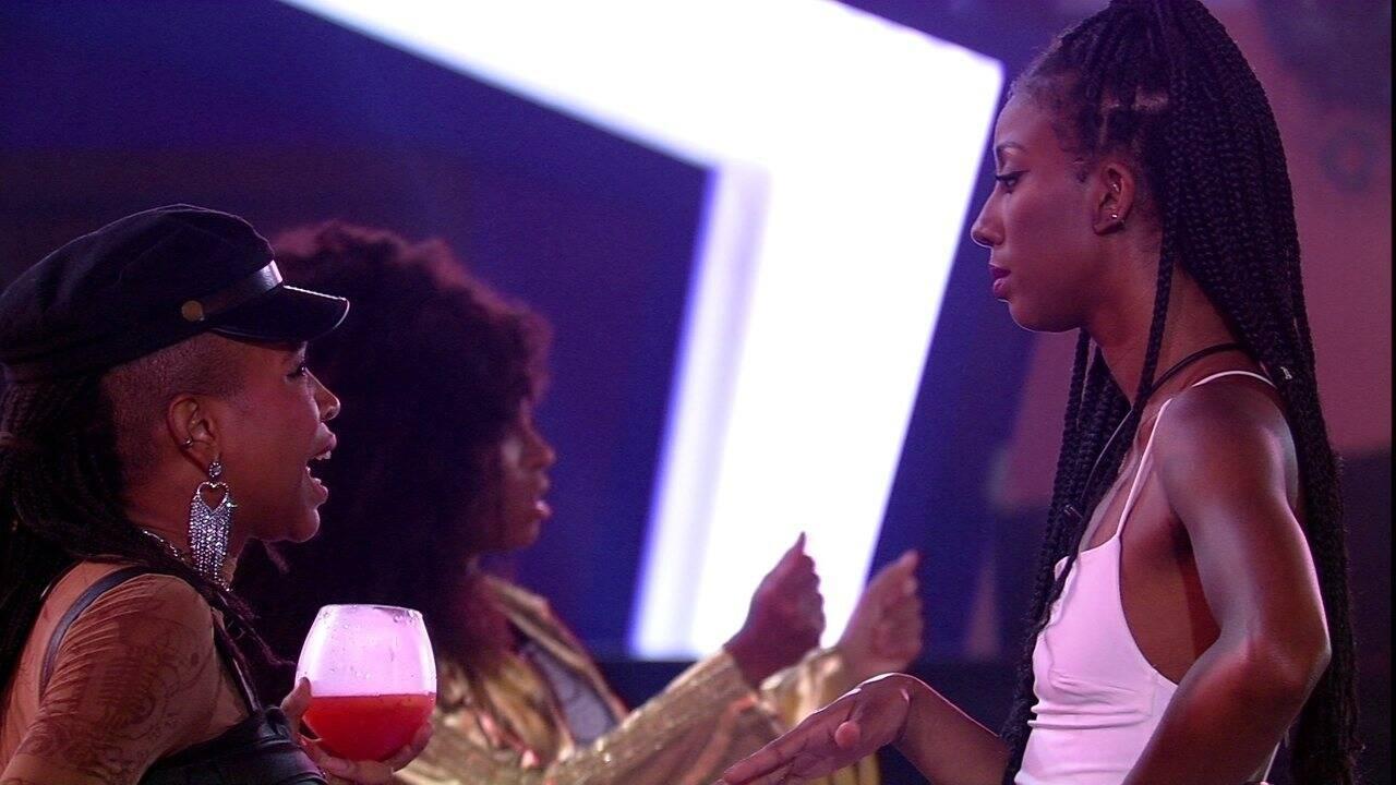 Camilla tentou resolver a situação com Karol, mas não obteve o resultado desejado (Foto: Reprodução/Globoplay)