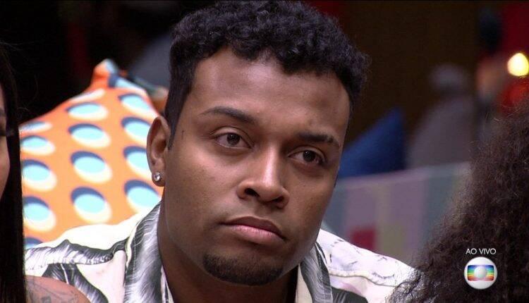 O comediante que disputava a saída com Sarah e Fiuk obteve uma porcentagem de 98,76% de rejeição. (Foto: Reprodução/Globo)