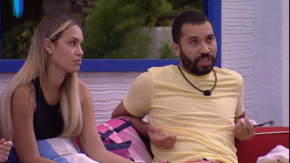 Gilberto disse que Karol tem o hábito de humilhar as pessoas (Foto: Reprodução/Globoplay)