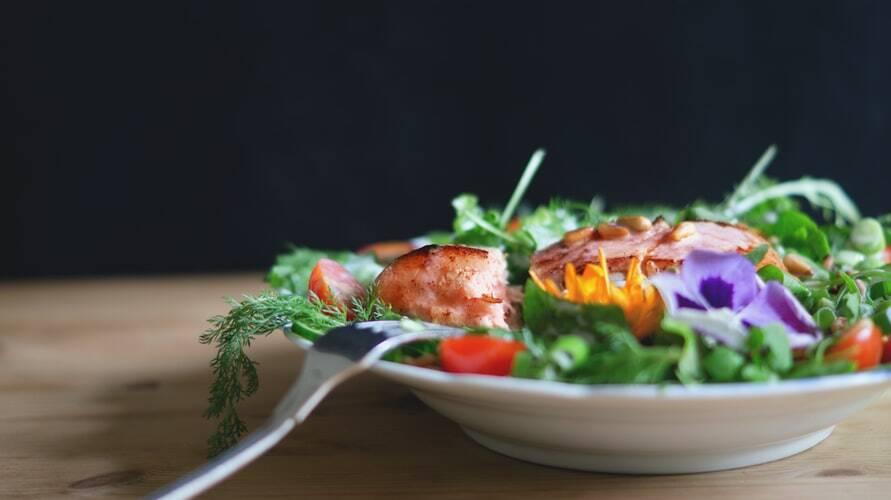 Salada tropical. (Foto: Unsplash)