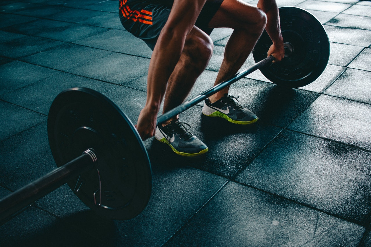 3. Fazer algum exercício físico - O tipo do exercício não é o mais importante, mas sim a regularidade da prática, que deve ser feita pelo menos 3 vezes por semana. Além disso, algumas atividades e escolhas diárias podem fazer toda a diferença. (Foto: Pexels)