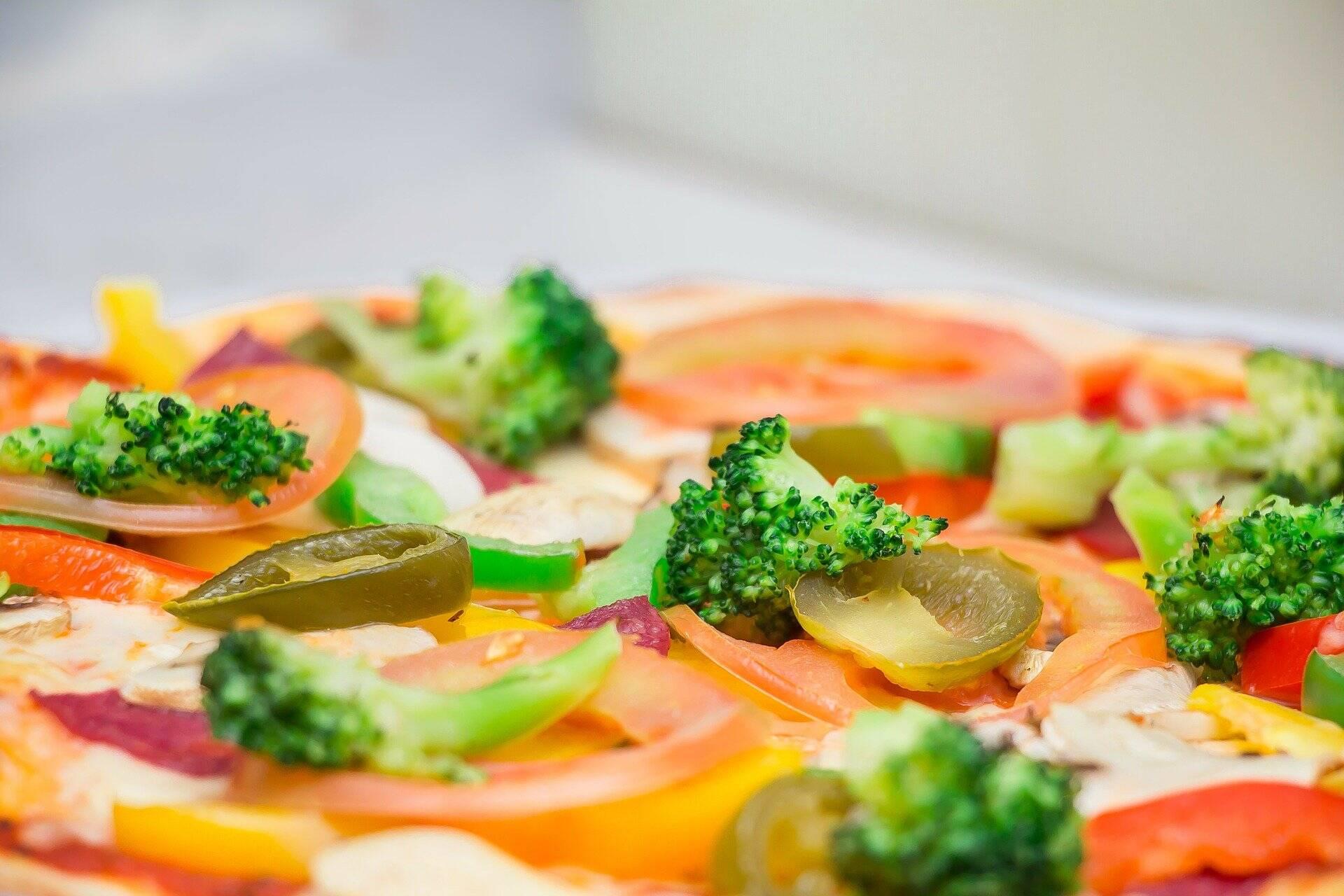 Pizza com massa de abóbora. (Foto: Pexels)