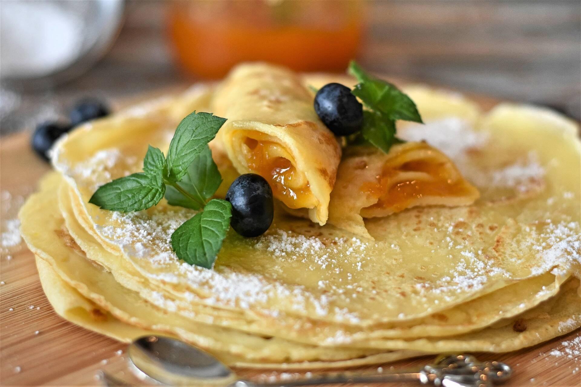 Massa - 3 ovos (sendo 3 claras e apenas 1 gema); 3 colheres de azeite; 1 e 1/2 cenoura ralada bem fina; 2 xícaras de leite semidesnatado ou desnatado; 1 xícara de farinha de aveia; 1 xícara de amido de milho (maizena); 1 colher (chá) de orégano; 1 colher (chá) fermento e sal a gosto. (Foto: Pexels)