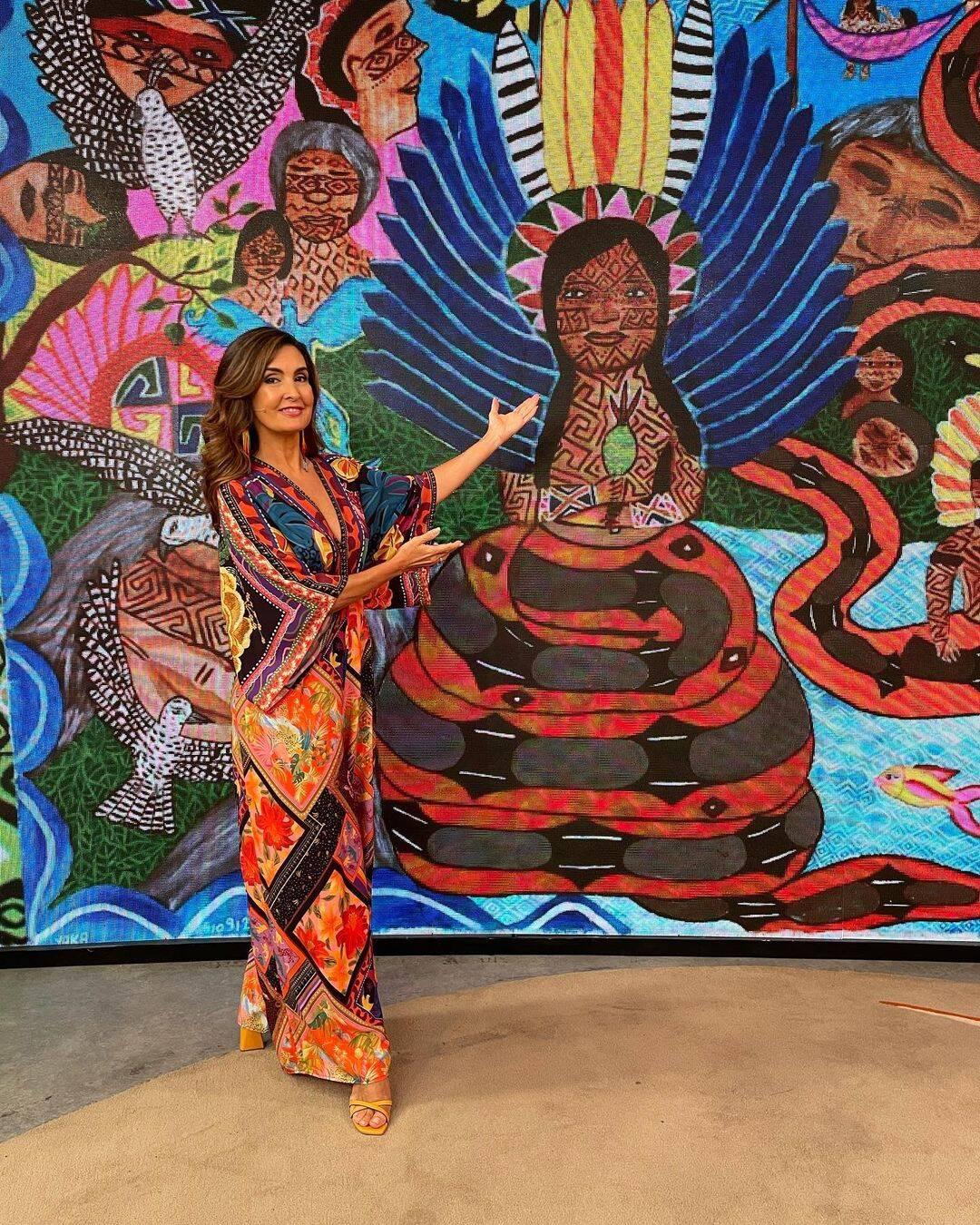 No dia do Indígena ela apostou em muitas cores (Foto: Instagram/ @fatimabernardes)