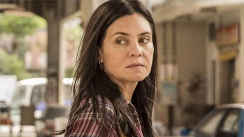 A sequestradora de Lurdes (Regina Casé) terá de encarar o julgamento de Danilo (Chay Suede) antes de morrer com o aneurisma que a condenou à morte logo no primeiro capítulo. (Foto: Globo)