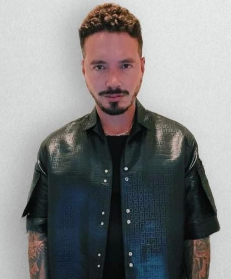 O cantor conta com parcerias musicais com grandes artistas do mundo da música (Foto: Instagram/ @jbalvin)