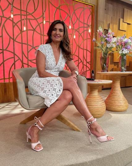 A apresentadora conta com milhões de seguidores em suas redes sociais (Foto: Instagram/ @fatimabernardes)