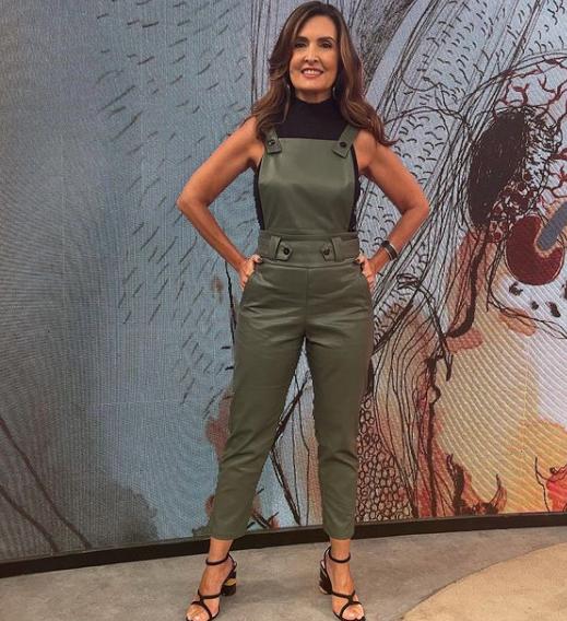 A apresentadora comanda um programa diário (Foto: Instagram/ @fatimabernardes)
