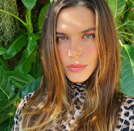 A modelo gosta de interagir com seus seguidores nas redes sociais (Foto: Instagram/ @marianagoldfarb)