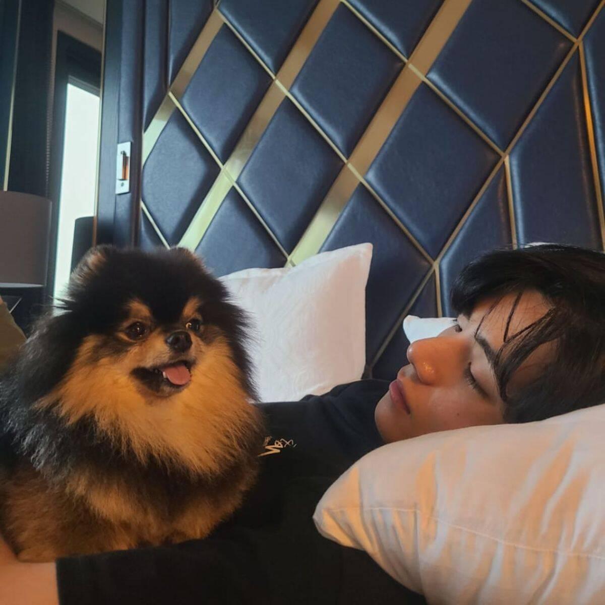 Taehyung do BTS e Yeontan (Foto: Reprodução/ Pinterest)