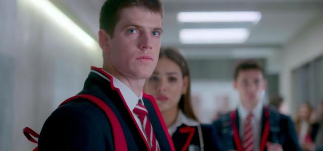 Além dos novos estudantes interpretados por Manu Rios, Carla Díaz, Martina Cariddi, bem como Pol Granch. (Foto: Reprodução/ Netflix)