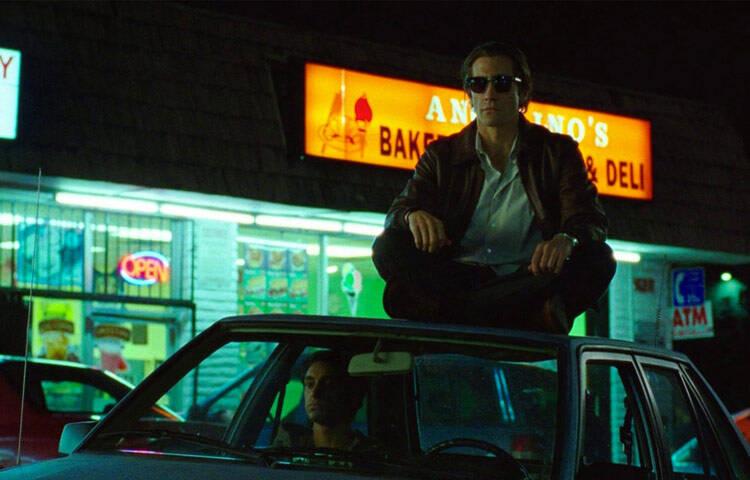 """""""O Abutre"""" - O longa-metragem conta a história do fotógrafo Louis Bloom, que entra para o submundo do jornalismo criminal independente de Los Angeles. Ele registra crimes e acidentes chocantes e vende a veículos interessados. (Foto: Divulgação)"""