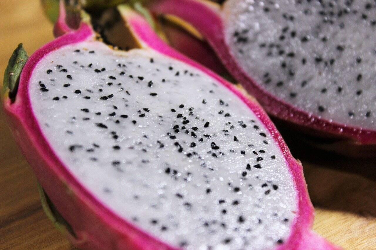 A pitaia é uma fruta com poucas calorias, rica em antioxidantes (Foto: Pixabay)