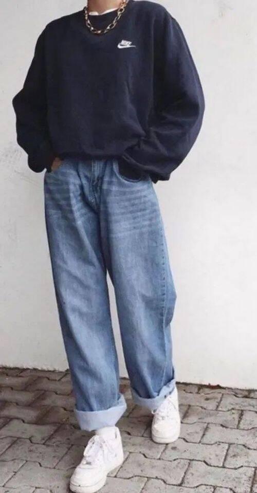 Jeans com um belo cardigã também é uma ótima opção de combinação (Foto: Pinterest)