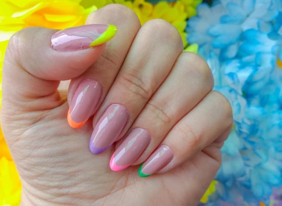 As francesinhas coloridas são modernas e cheias de estilo. (Foto: Instagram/ @garotasrosachoque)