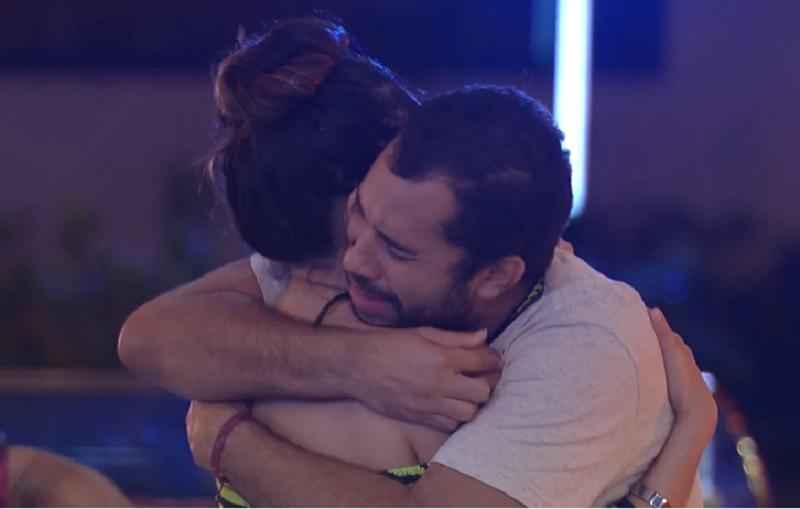 Gilberto chorou e agradeceu a amizade de Juliette no BBB 21. (Foto: Reprodução/ Globo)