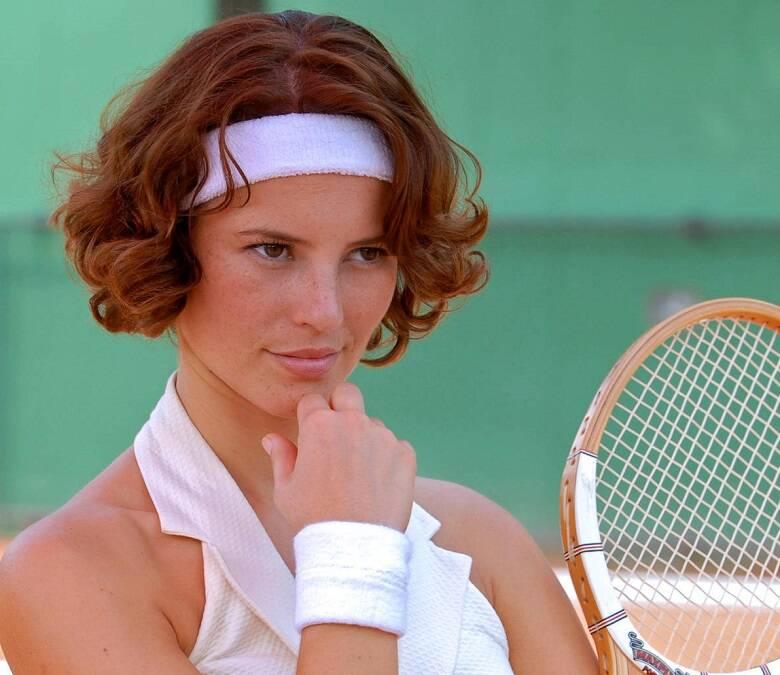 """Letícia em """"Ciranda de Pedra"""", 2008 - Com um visual diferente, a atriz interpretou uma talentosa tenista que se envolve com um homem mais velho. (Foto: Divulgação/ Globo)"""