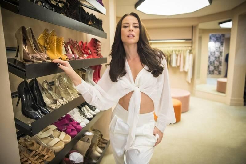 """Vivi Guedes em """"A Dona do Pedaço"""", 2019 - A atriz interpretou a influenciadora digital que além de fashion e empoderada, também era apaixonada por seu noivo e sua família adotiva. (Fotos: Divulgação/ Globo)"""