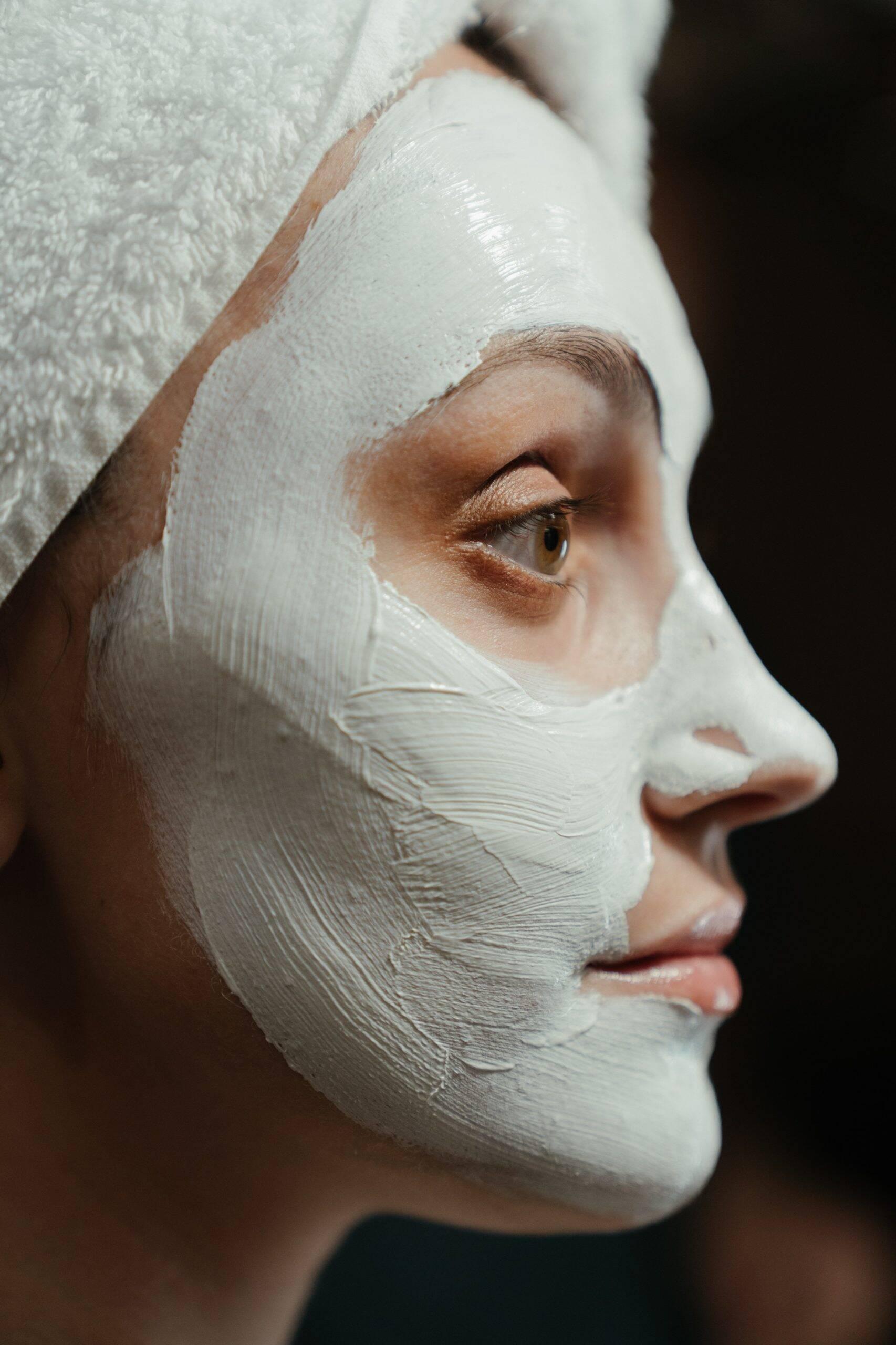 1. Máscara caseira para tratar espinhas. (Foto: Pexels)