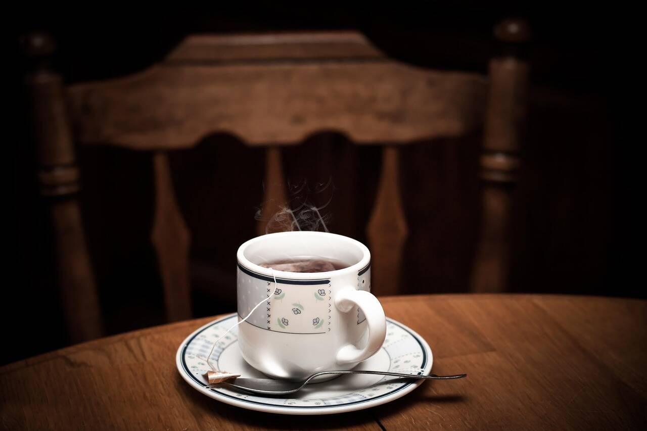 O modo de consumo da erva é bem simples - você pode tomar chás diários ou comprar pomadas fitoterápicas para aplicar no local a ser tratado (Foto: Pixabay)