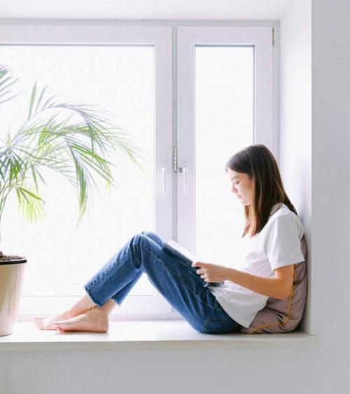 Ambiente aberto e bem ventilado - É essencial para receber as reuniões em família. Para isso, deve-se abrir janelas e portas e manter os ambientes bem arejados. (Foto: Pexels)