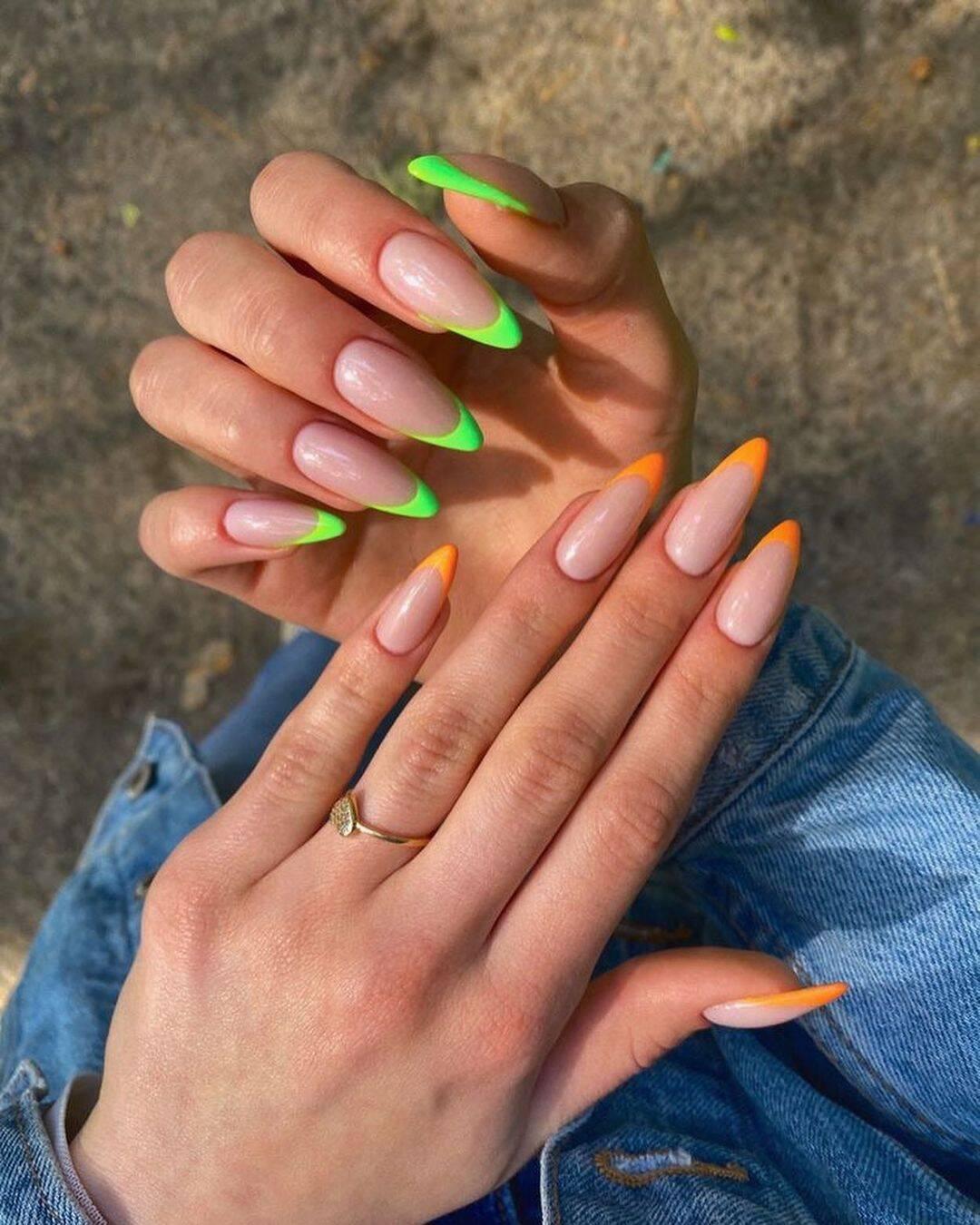 Ou uma mão de cada cor, por exemplo. (Foto: Instagram/ @unhas.inovadoras)