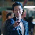 Vincenzo racconta la storia di Vincenzo Cassano (Jung Ki Sung), avvocato coreano che vive in Italia dall'età di otto anni, dopo essere stato adottato a seguito di tradimenti collettivi.  Ora lavora per una famiglia di gangster italiani, che sono sempre in guerra con altre fazioni.  (Immagine: clone / Pinterest)