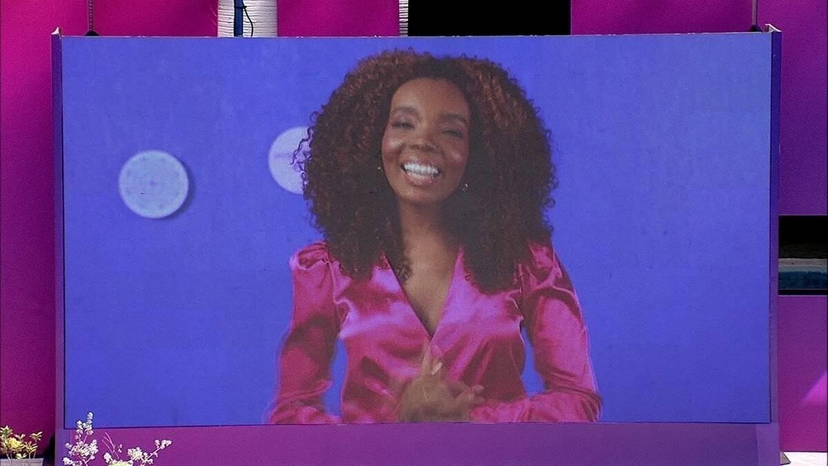 Em um dia de beleza com a apresentação de Thelma (Foto: Reprodução/Globo)