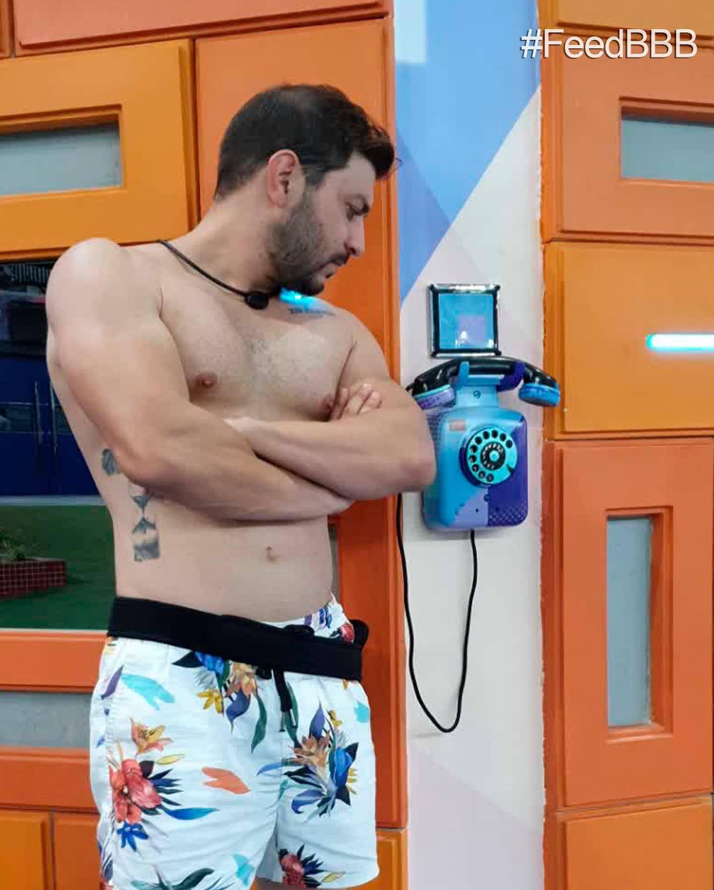 A maquiadora revelou um momento do reality em que precisou escolher entre Caio, Rodolffo e Arthur para que votasse. (Foto: Reprodução/ Globo)