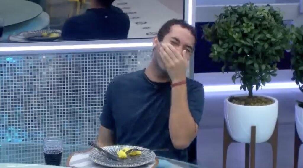 Humor sempre em alta mesmo com as dificuldades (Foto: Reprodução/ Globo)