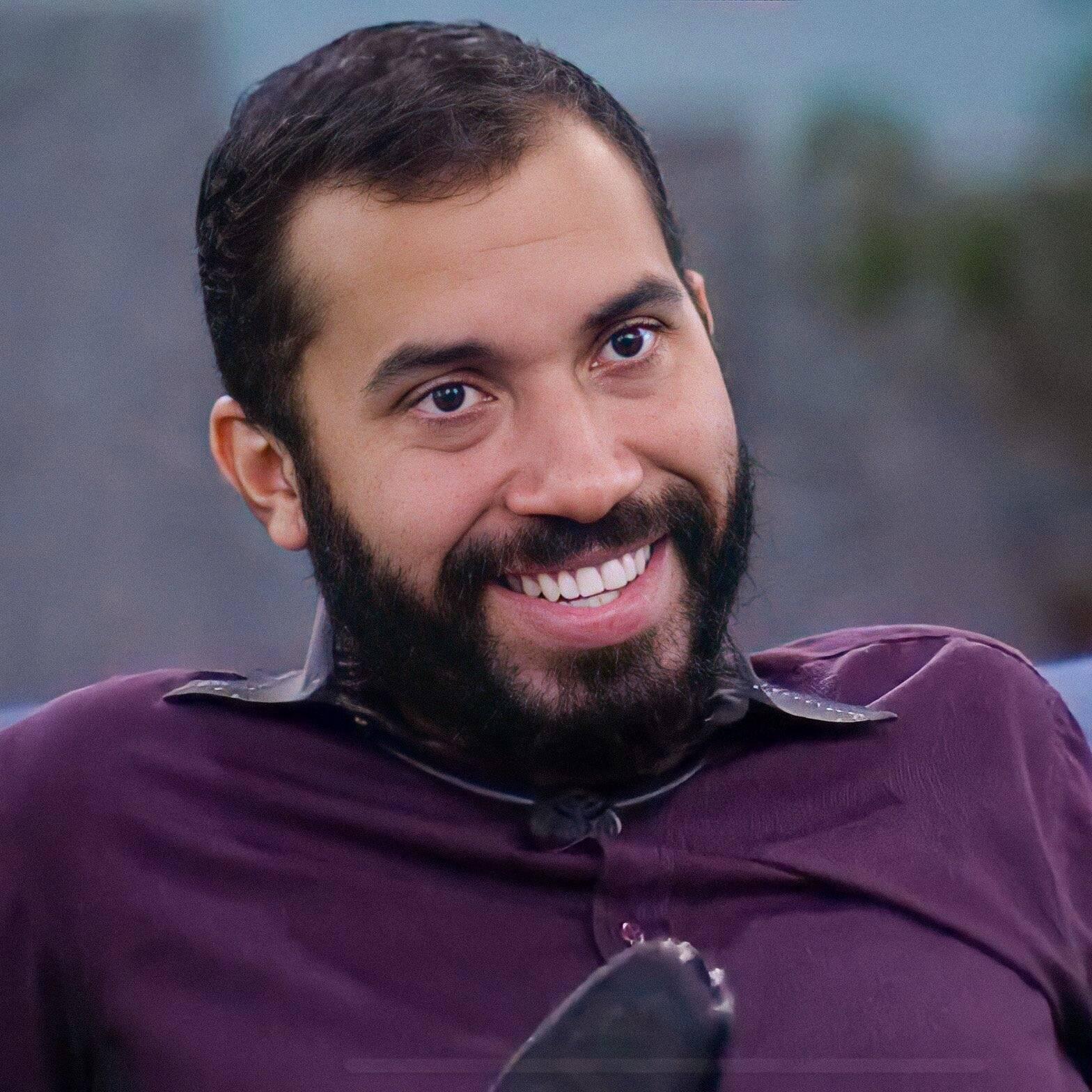 Com foto de crachá, o pernambucano contou que é o mais novo contratado da Globo. (Foto: Reprodução/ Globo)