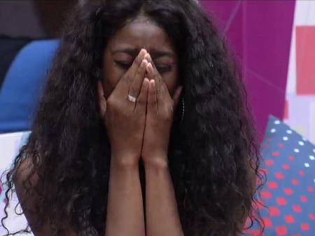Camilla foi a primeira a escutar, e caiu no choro (Foto: Reprodução/Globo)