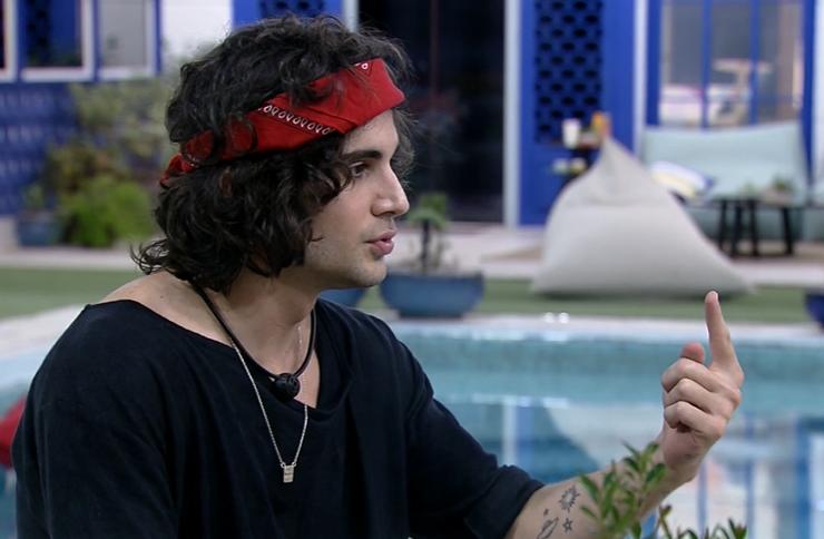 Na madrugada desta terça-feira, 04, os brothers especularam sobre o futuro pós-reality show (Foto: Reprodução/ Globo)