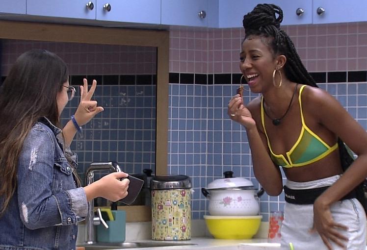 """""""E eu nem era tua amiga, só olhei sua foto e falei"""", explicou a maquiadora. (Foto: Reprodução/ Globo)"""