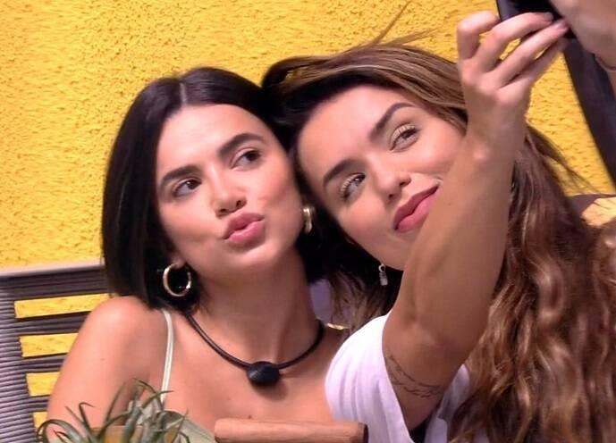 """Rafa Kalimann concordou com a amiga e afirmou: """"Nossa amizade vai de uma base muito linda que é o respeito"""" (Foto: Reprodução/ Globo)"""