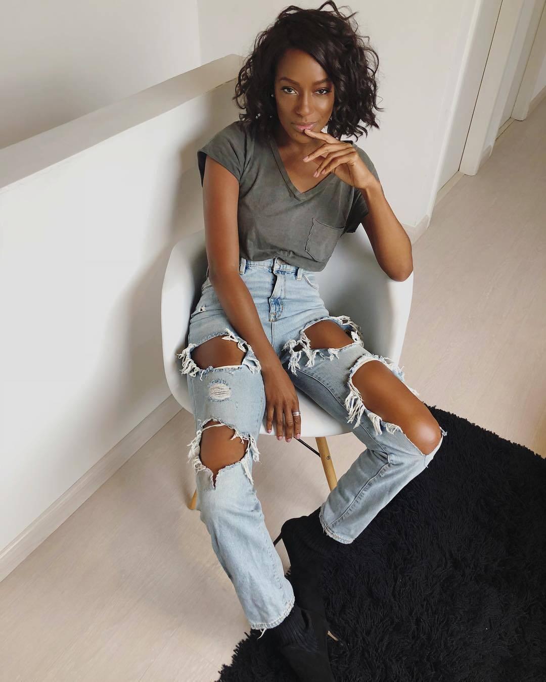A famosa ama a versatilidade das peças jeans (Foto: Instagram/ @pathydejesus)