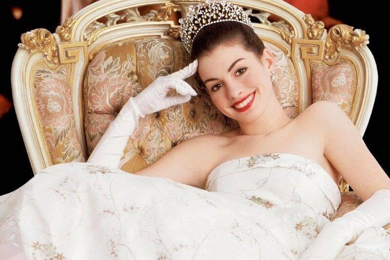 Anne Hathaway dá vida a Mia Thermopolis Renaldi, a Princesa de Genovia, em