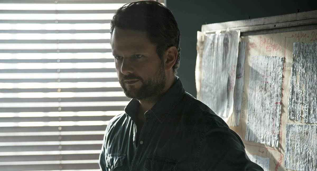 O ator também trabalha como diretor em alguns filmes (Foto: O Mecanismo)