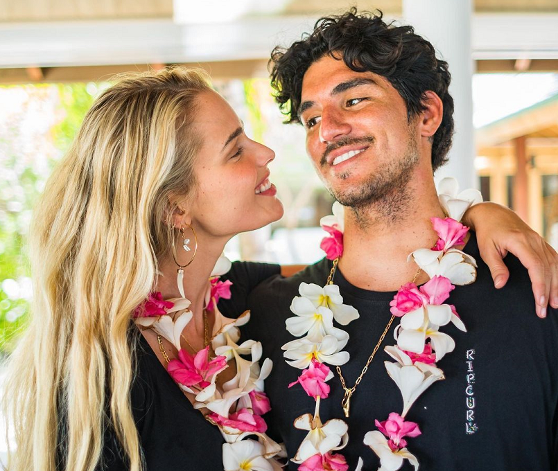 A modelo Yasmin Brunet celebrou as conquistas do marido, o surfista Gabriel Medina, nas redes sociais. (Foto: Instagram)