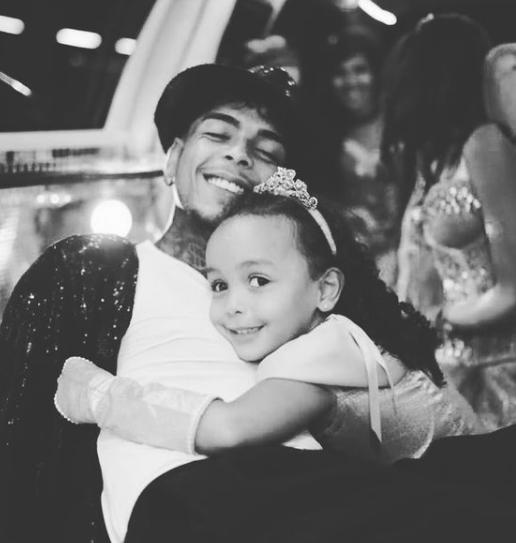 A mãe da filha de MC Kevin, Evelin Gusmão, fez um desabafo em suas redes sociais (Foto: Instagram)