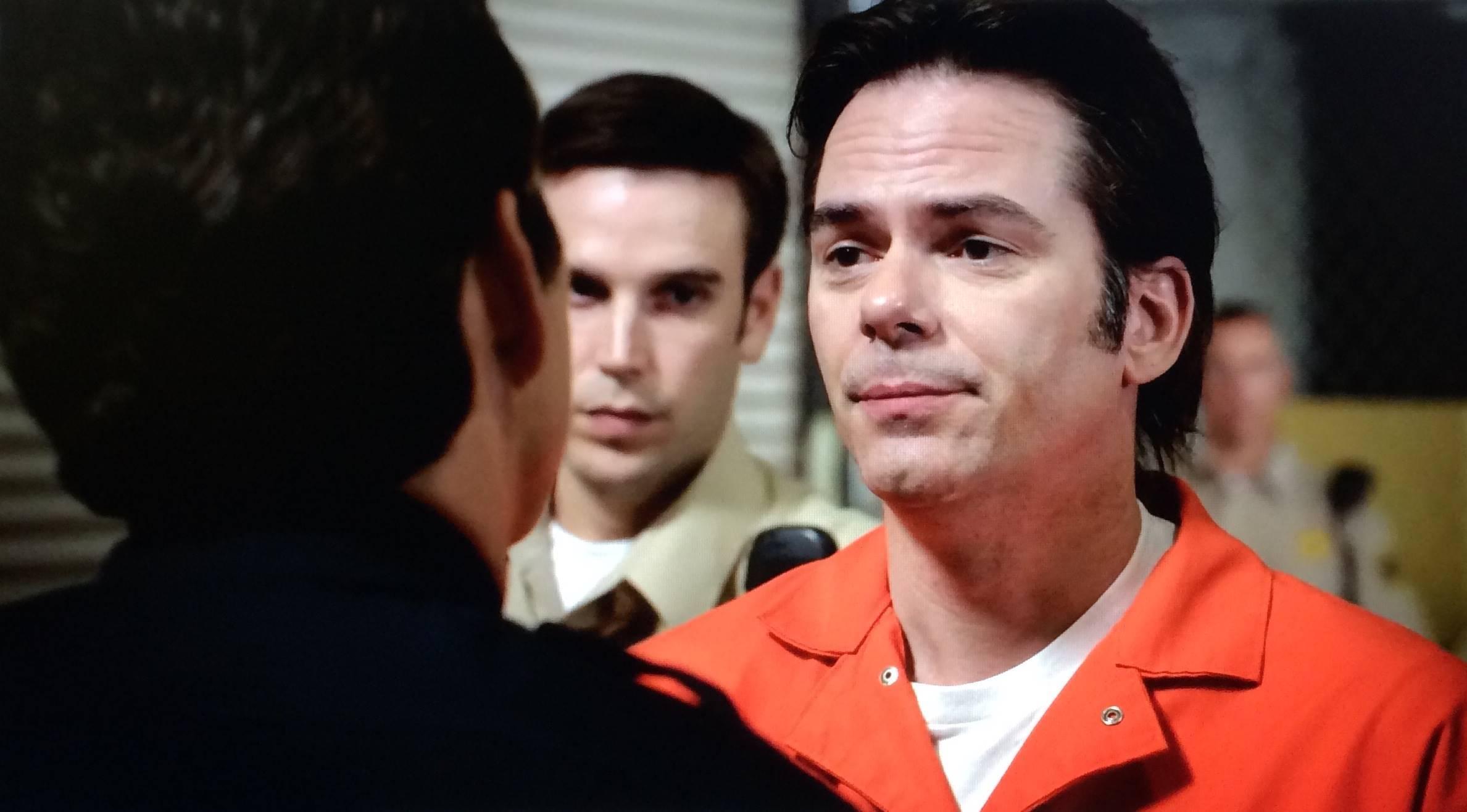 """Billy Burke, ator que interpretou o chefe de polícia Charlie Swan, pai da protagonista da Saga Crepúsculo, tem uma longa lista de trabalhos em seu currículo, tanto para o cinema quanto para a TV. Entre eles """"Fúria Sobre Rodas"""" (2011), """"A Garota da Capa Vermelha"""" (2011) e """"Rota de Fuga"""" (2012). Além disso, ele fez uma participação também nas séries """"Divisão Criminal"""" (2005-2012), """"Revolution"""" (2012-2014), """"Zoo"""" (2015-2017) e """"Major Crimes"""" (2012-2018). (Foto: Divulgação)"""