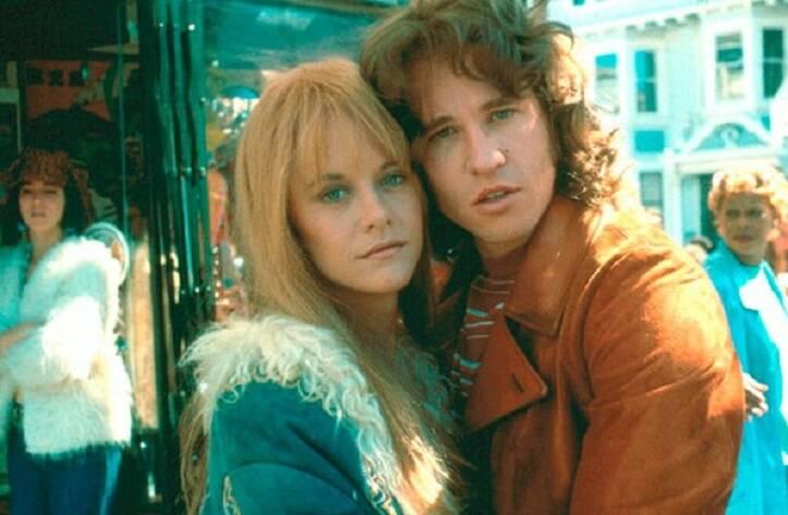 """""""The Doors - O Filme"""" - O filme é baseado na história de Jim Morrison, o vocalista da banda de rock 'The Doors'. O filme mostra sua trajetória de sucesso do início da carreira nos anos 60 até sua morte em 1971. (Foto: Divulgação)"""