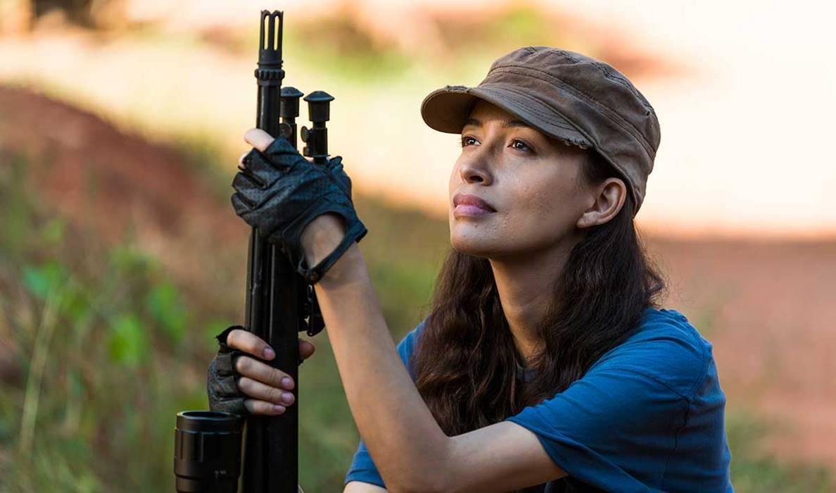"""Além disso, interpretou Rosita Espinosa em """"The Walking Dead"""" e é a protagonista de """"Selena: A Série"""", da Netflix. (Foto: Divulgação)"""